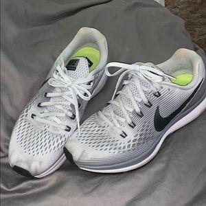 Nike zoom women's 8.5
